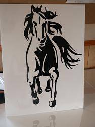 tracing out a horse picture  and cutting it in vinyl-net3-jpg