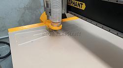 Australia customer bought ELE1325 CNC Router for acrylic working-1ee0675fedfb8f5ff4c9f9b45208e43_-jpg